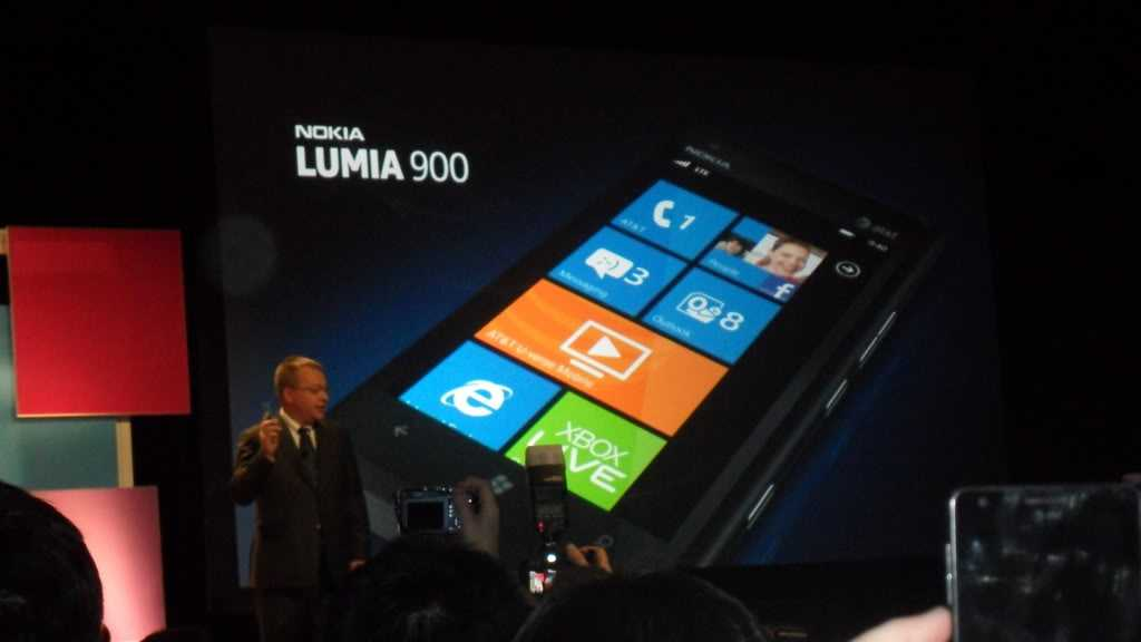 Lumia 900 being announced at the CES